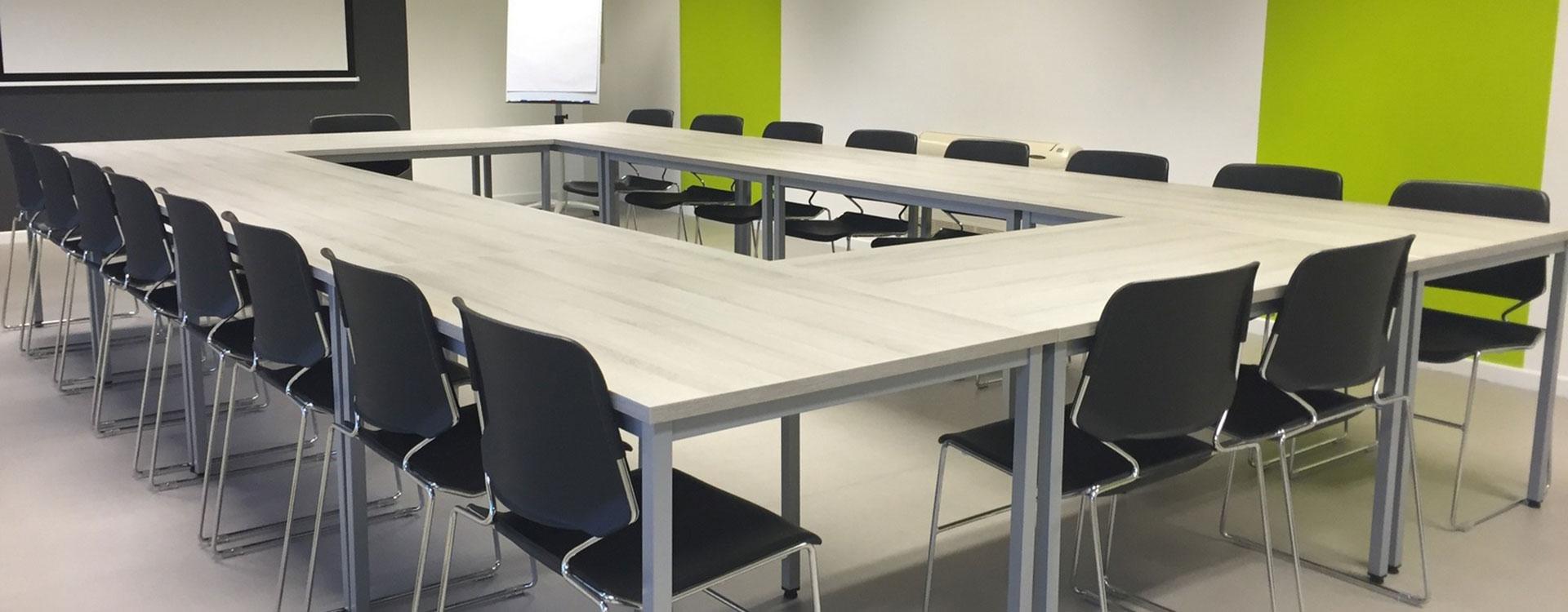 Comment choisir une bonne table de réunion
